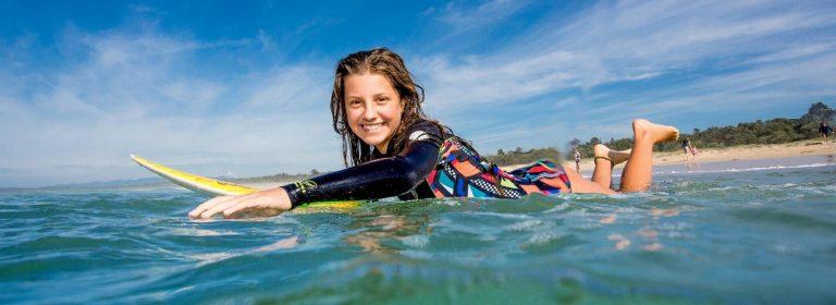 Entrenamiento de surf en piscina