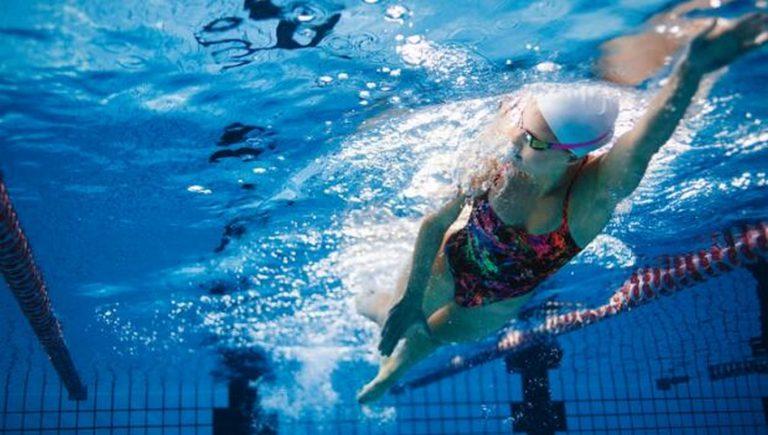 Entrenamiento de surf en piscina II