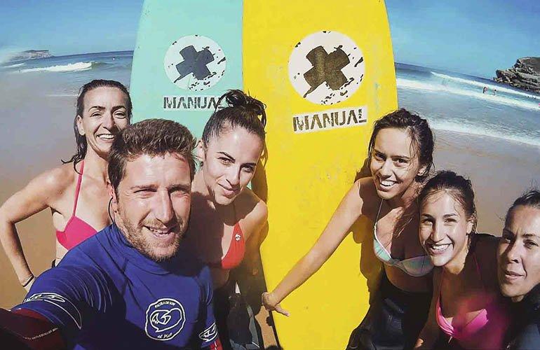 Escuela_de_surf_en_cantabria_1-770x500.jpg